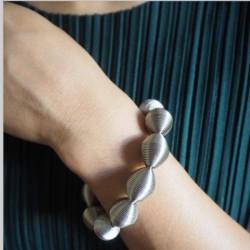 La Molla Loop Bracelet
